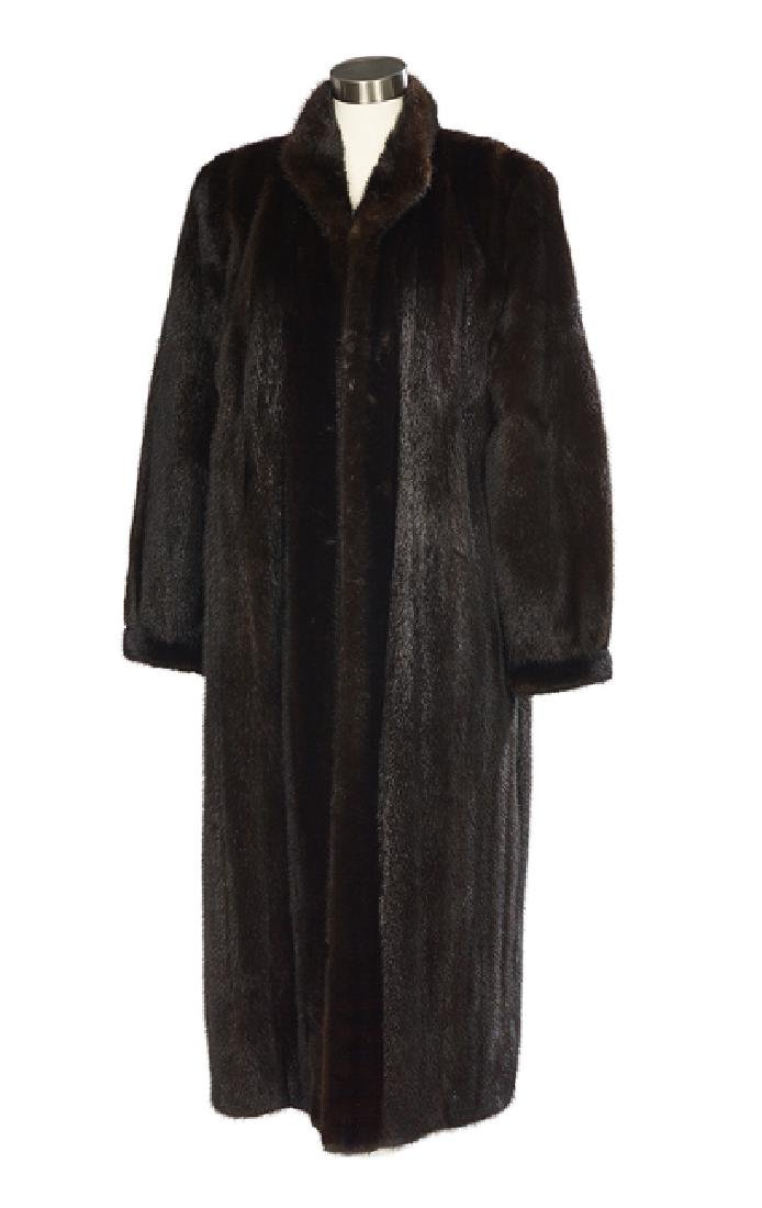 Elegant Dark Chocolate Brown Mink Coat