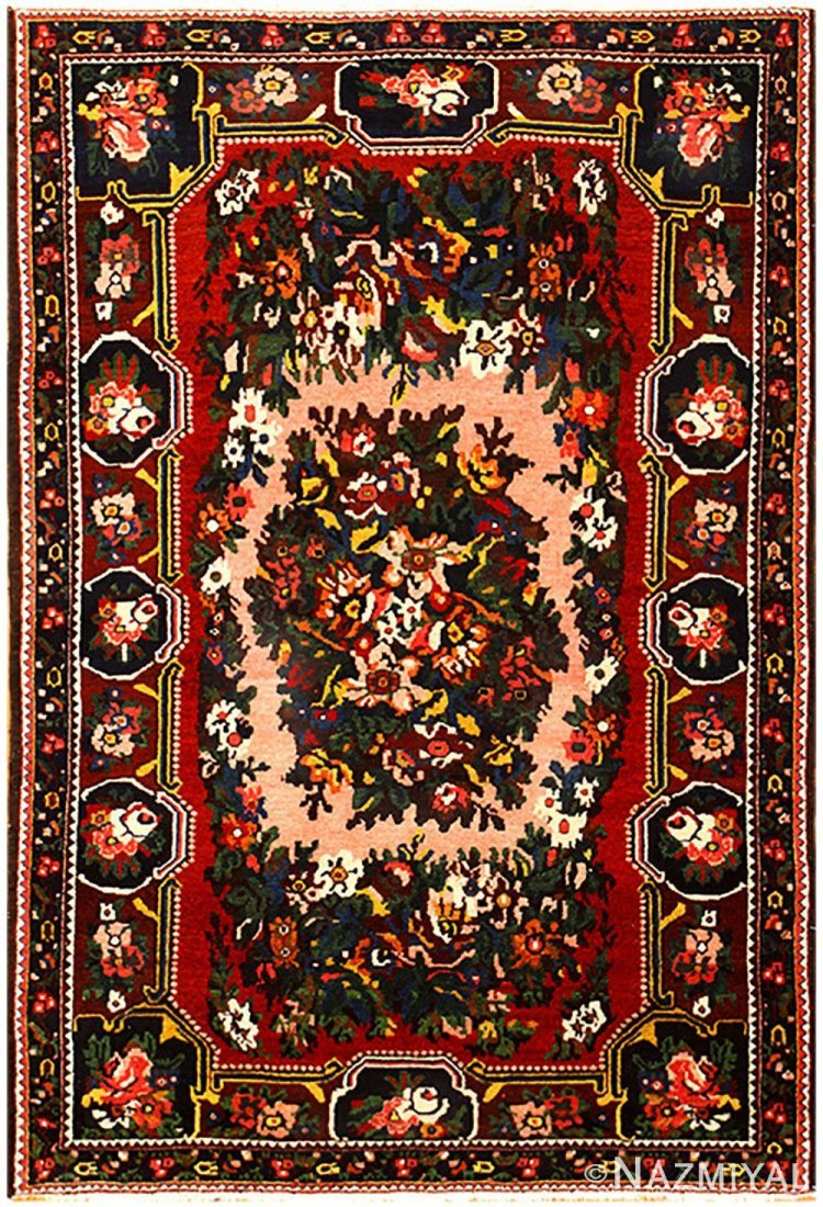 "Vintage Persian Bakhtiari , Size 5' x 7'7"""