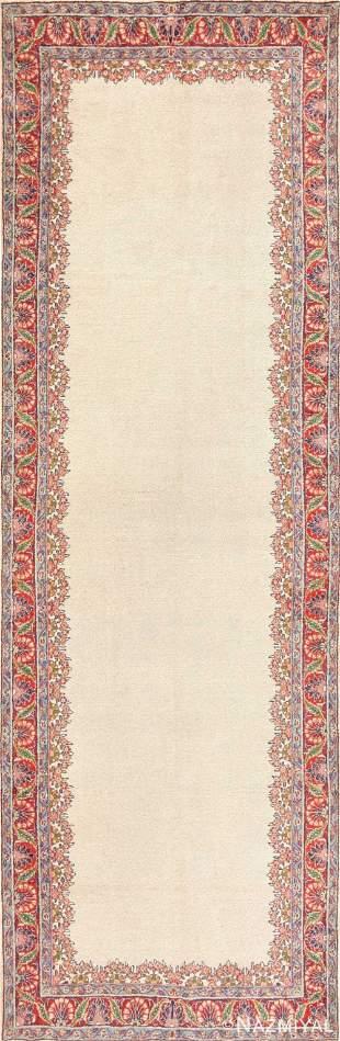 VINTAGE PERSIAN MAHAL CARPET.