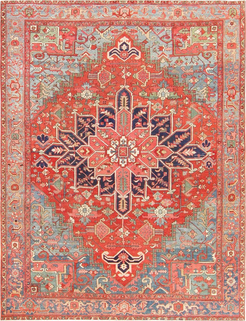 Antique Geometric Persian Heriz Serapi Carpet / Rug