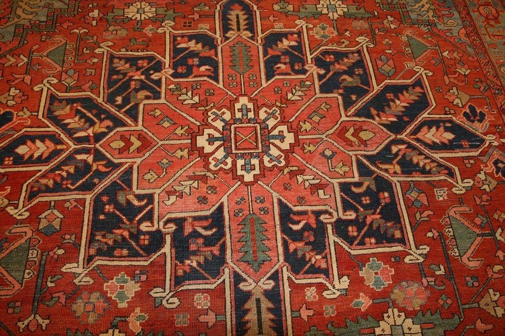 Antique Geometric Persian Heriz Serapi Carpet / Rug - 4