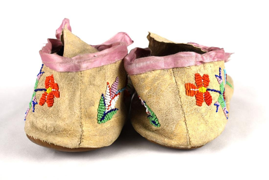 """Pair of 9 5/8"""" Sioux Moccasins - 3"""