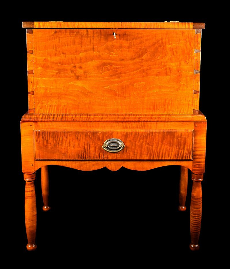 Tiger Maple Kentucky Style Sugar Chest - 2