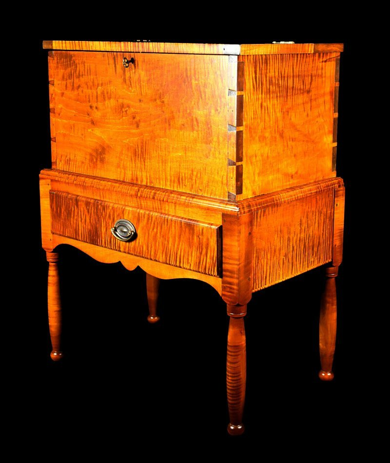 Tiger Maple Kentucky Style Sugar Chest - 3