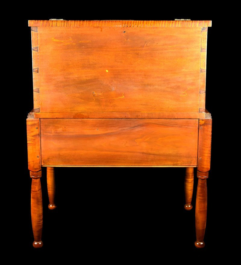 Tiger Maple Kentucky Style Sugar Chest - 4