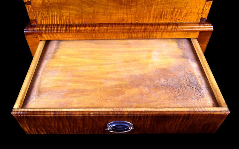 Tiger Maple Kentucky Style Sugar Chest - 6