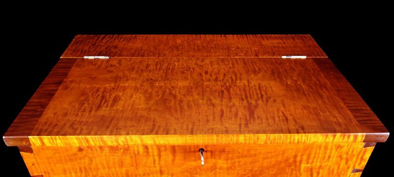 Tiger Maple Kentucky Style Sugar Chest - 8