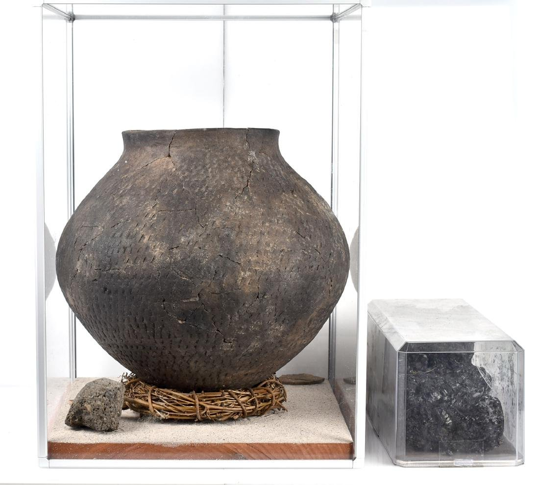 """MASSIVE 14x11.75"""" Puebloan Pot *Restored - 3"""