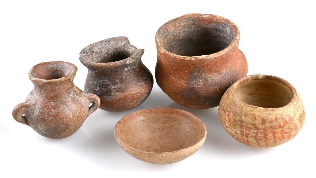 5 PreColumbian Pots