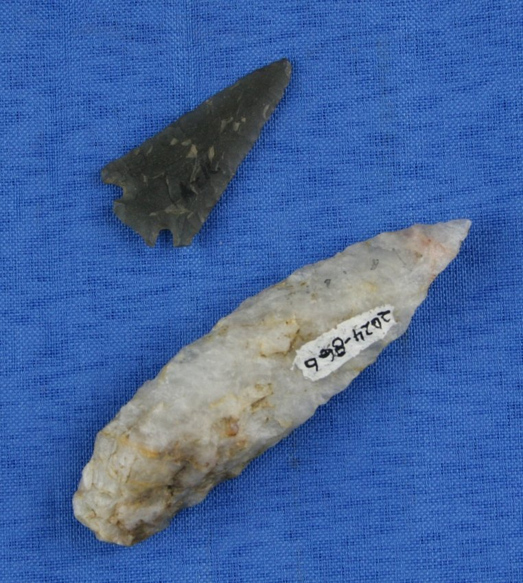 2-pc Mini Collection of Arrowheads