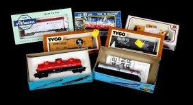 7 Model Train Cars