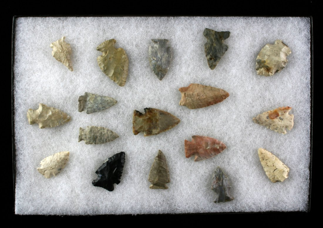 Display of 17 Nice Indiana Archaic Points
