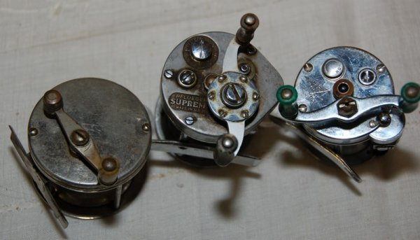 8: Pflueger Supreme, Pflueger Akron (No. 1893), and ano