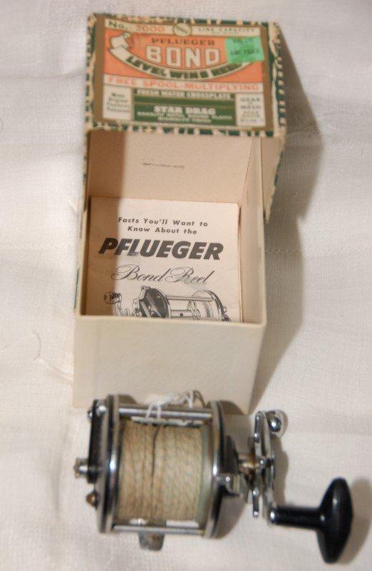 20: Pflueger Bond No. 2000 Reel in box w/ paper