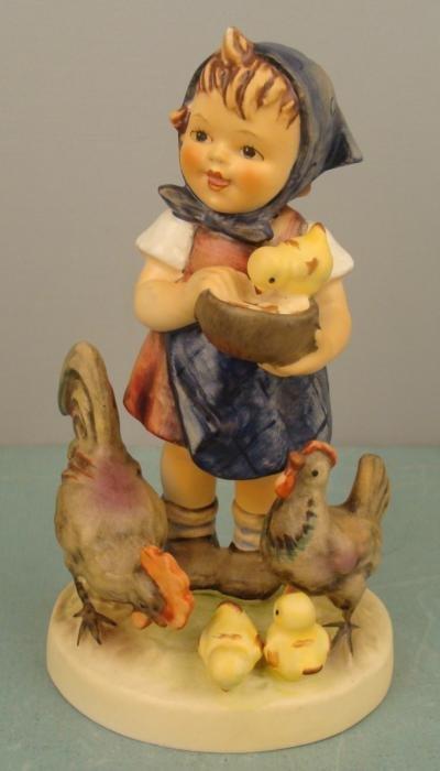 Goebel Hummel FEEDING TIME 199/I Chickens Figurine 1972