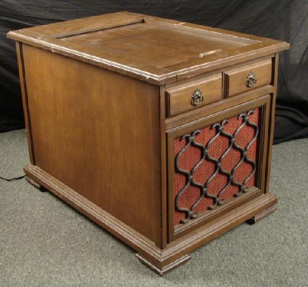 Vintage HI FI Radio Record Player Wood Cabinet