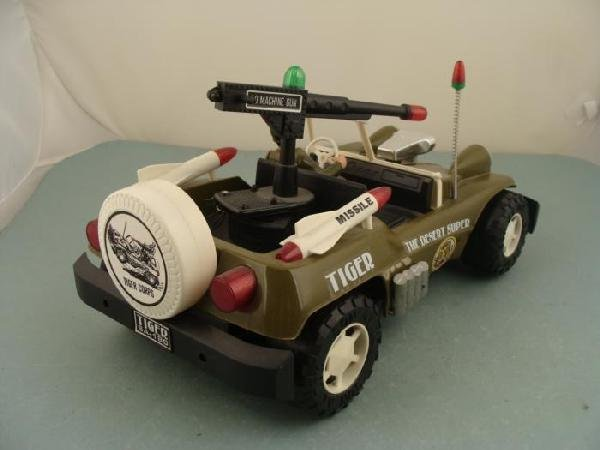 Son AI Vintage Desert Super Tiger Electronic Army Truck