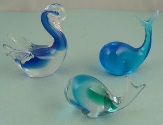 3 Art Glass Figurines Whales, Swan
