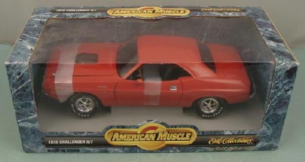 ERTL 1970 Dodge Challenger R/T 1:18 Muscle Car MIB