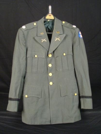 US ARMY UNIFORM COAT -KOREAN WAR 11TH ARMY CORPS LIEUT