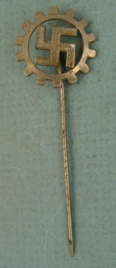 NAZI DAF-WORKERS FRONT STICKPIN-ORIG GEAR WITH SWASTIKA