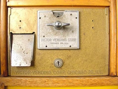 Victor 3 Ring Circus Toy Vending Machine-Vintage Rare - 3