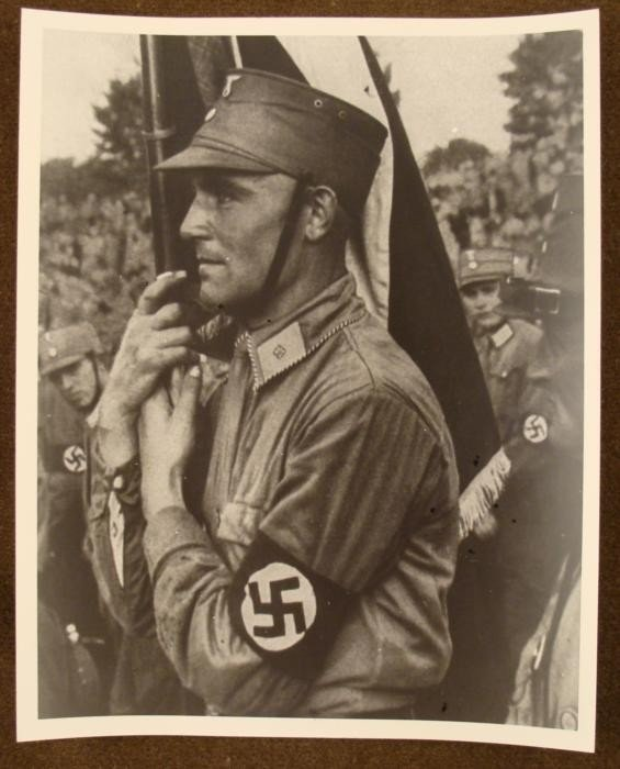 8X10 PHOTO OF AN EARLY NAZI STORMTROOPER w/ BANNER