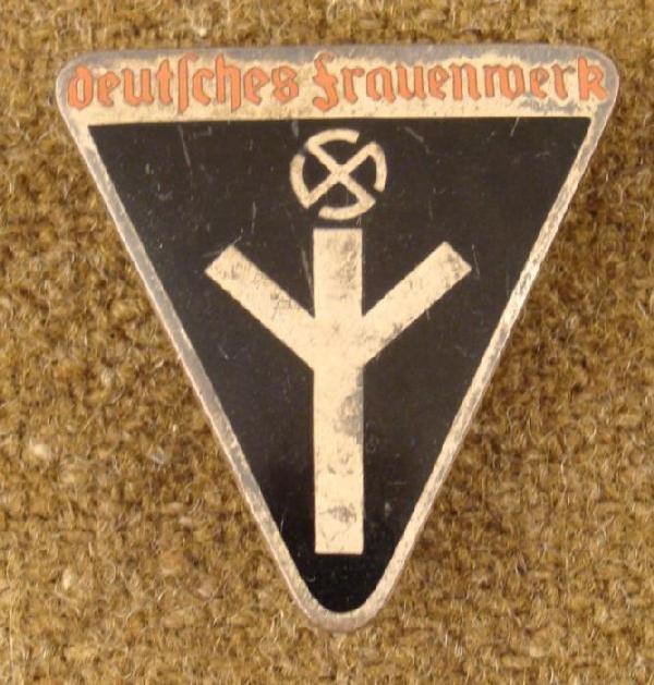 Nazi Womans Deustches Frauenmerk Pinwheel Swastika Pin