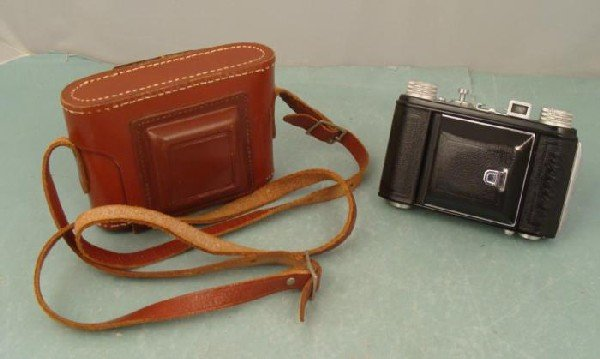 Welti I Vintage WWII German USSR Occupied Camera w/Case