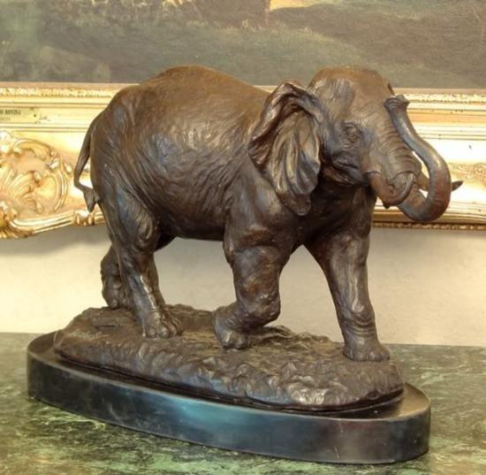 Magnificent Bronze Sculpture Elephant