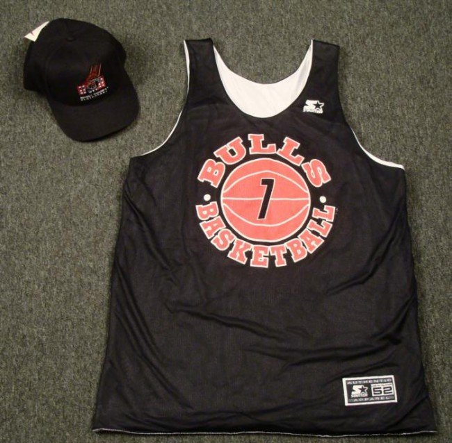 Chicago Bulls Replica Practice Jersey and Hat