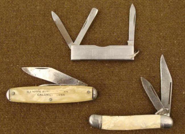 3 WWII ERA FOLDING KNIVES-2 MOP GRIPS-DECO MULTI BLADE