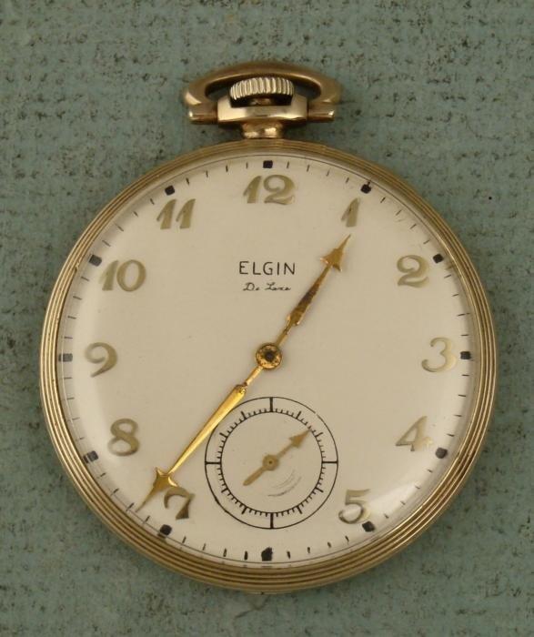 Elgin De Luxe Vintage OF GF Pocket Watch 1943