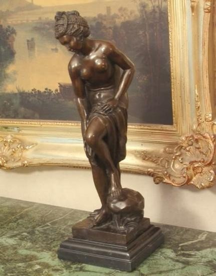 Magnificent Bronze Sculpture Sensual Woman