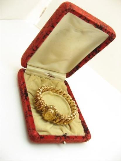 ANTIQUE GOLD FILLED STRETCH BRACELET WITH ORIGINAL BOX!