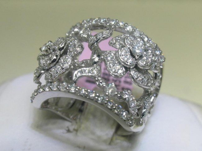 14K White Gold Diamond Elegant Floral Ring Size 6 3/4