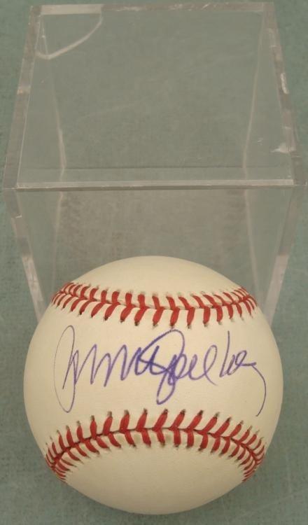 Ryne Sandberg Signed Baseball HOF Cubs w/ Ball Cube