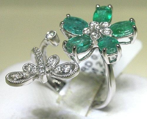18K White Gold Emerald Flower Diamond Ring Size 7