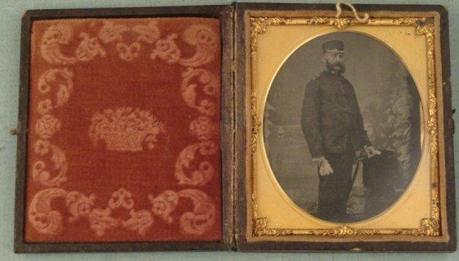 Antique US Soldier w/Sword Tintype Gutta Percha Frame