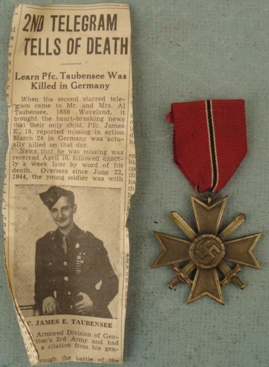 ORIGINAL NAZI WAR MERIT CROSS W/SWORDS RIBBON & NOTICE