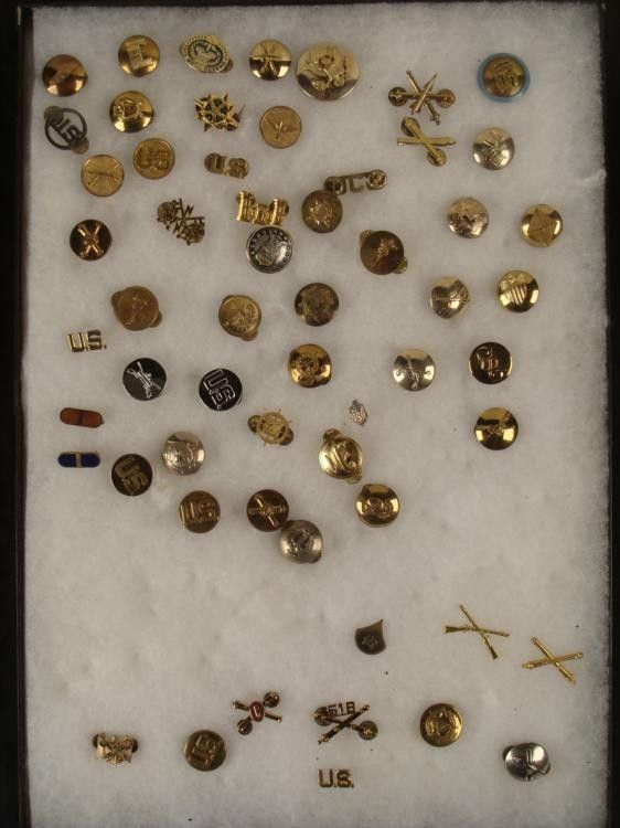 58 PC COLLECTION US WWI, WWII INSIGNIA-SOME RARE+RIKER