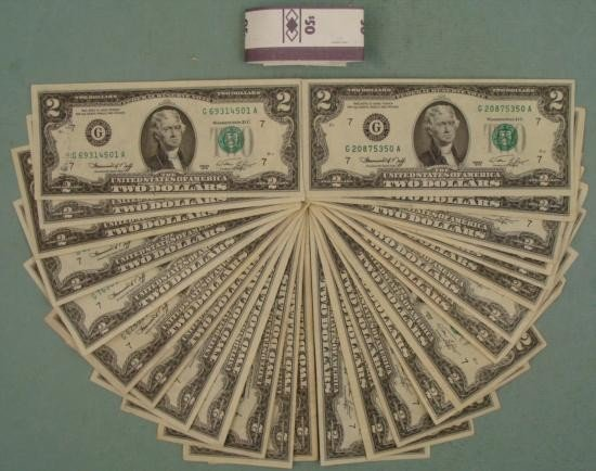 (25) 1976 $2 Notes G Mint Mark Chicago -Nice Bills
