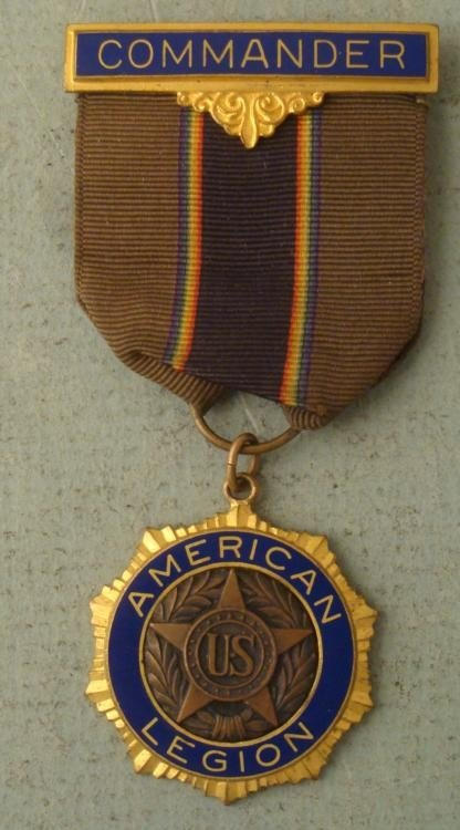 AMERICAN LEGION COMMANDERS BADGE VINTAGE
