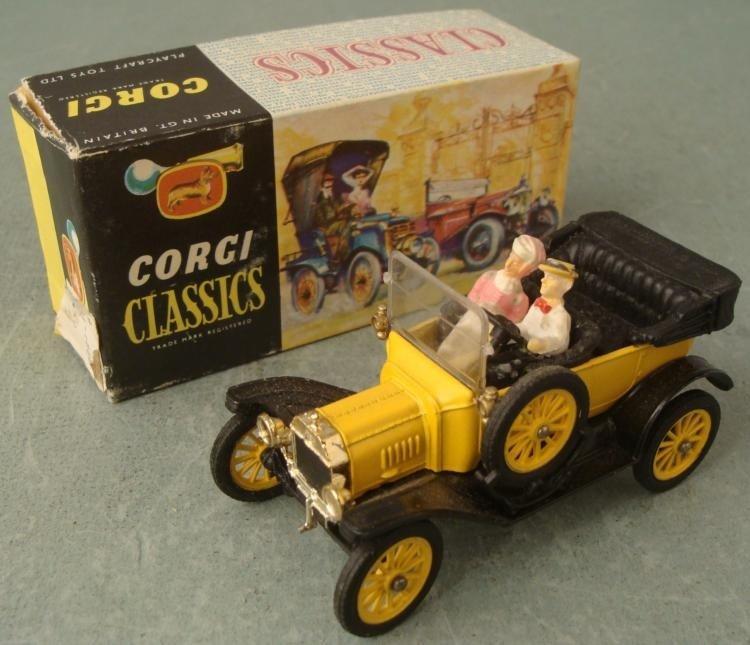 Corgi Classics 9012 1915 Ford Model T Antique Car MIB
