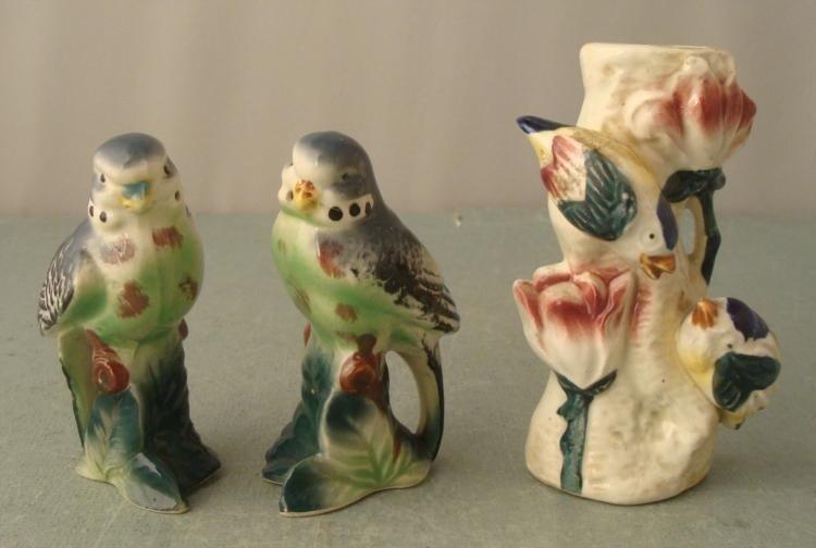 2 Parakeet Salt Pepper Shakers & Bird Flower Holder