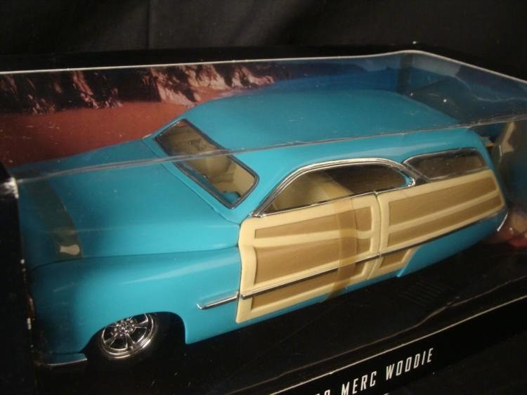 Hot Wheels Collectables 1950 Merc Woodie 1:18 Scale car - 2