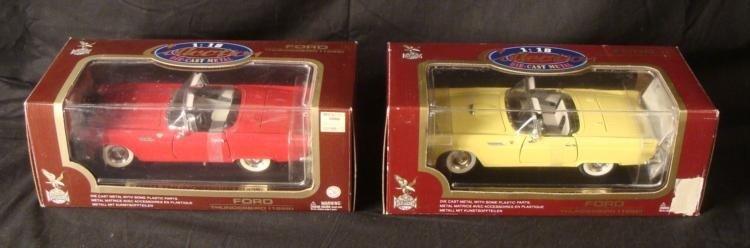 MIB 2 Ford Thunderbird 1955 1:18 Die Cast Road Legends