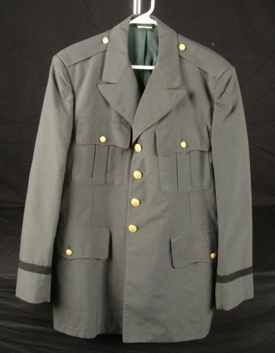 US ARMY VIET NAM ERA TUNIC FOR OFFICER-LARGE SIZE 46R