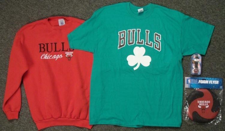 Chicago Bulls Dealers Lot Watch Sweater T-Shirt Frisbee