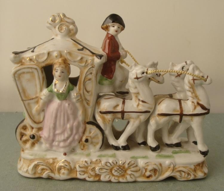 Vintage Porcelain Princess Horses & Carriage Figurine